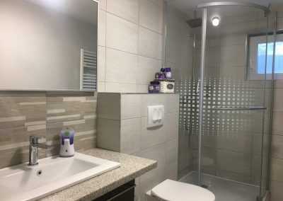 4 fős fürdőszoba WC